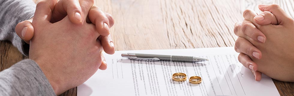 Couples Seek Divorce Mediator